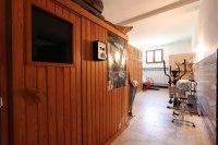 sauna y gimnasio